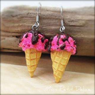 pendientes-helado-fresa-rosa-chocolate-miniatura-dulce-miniature-chocolate-ice-cream-strawberry-pink-clay-fimo-dangle-earrings